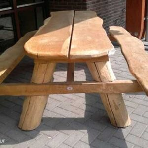stoere grote picknicktafel